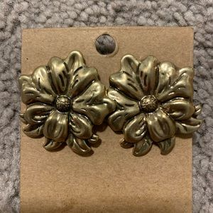 Patricia Nash Gold Floral earrings